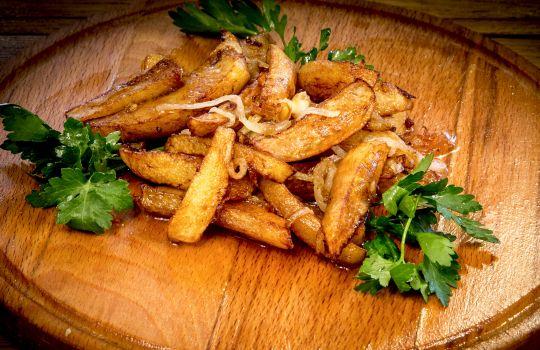 Картофель жареный, с луком 170г.